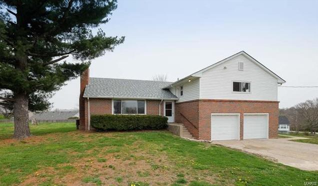 Photo of 734 Hickory Dale Drive St Charles MO 63304