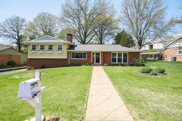 Photo of 39 Heather Drive St Louis MO 63123