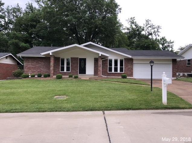 Photo of 5136 Heathfield St Louis MO 63128