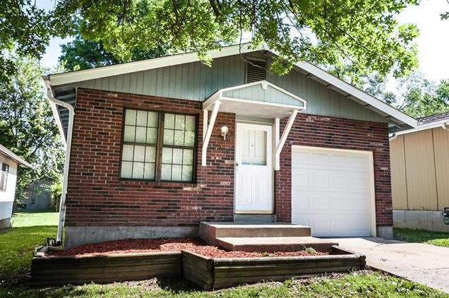 Photo of 1131 Maple Avenue Hazelwood MO 63138