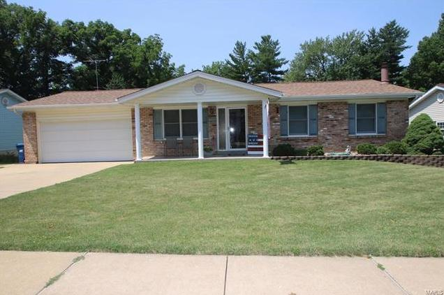 Photo of 2825 Olde Chelsea Drive St Charles MO 63301
