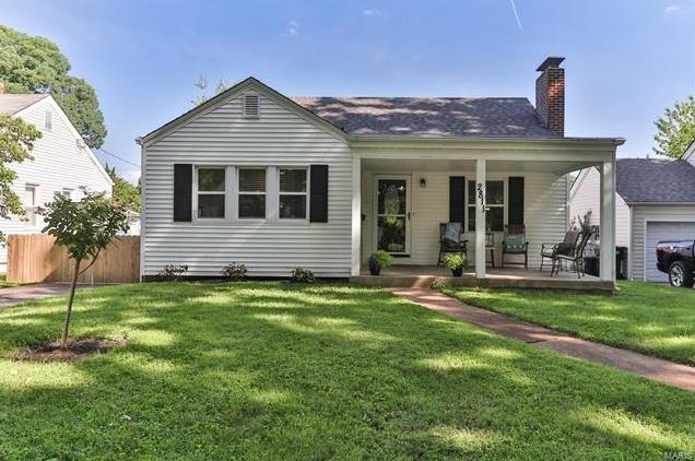 Photo of 2811 Lawndell Drive Brentwood MO 63144
