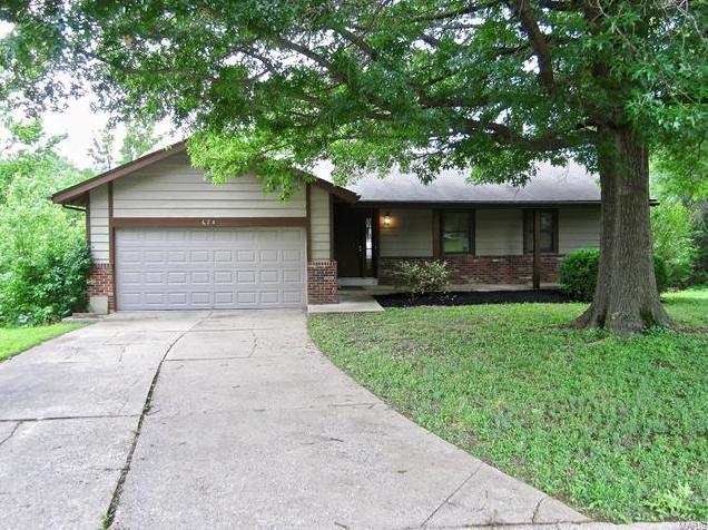 Photo of 424 Oak Place Lake St Louis MO 63367
