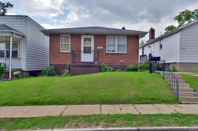 Photo of 3912 Schiller Place St Louis MO 63116