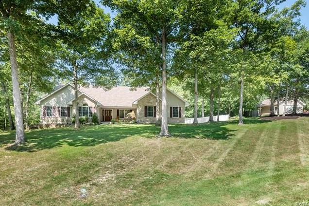 Photo of 833 Golden Meadows Drive Defiance MO 63341
