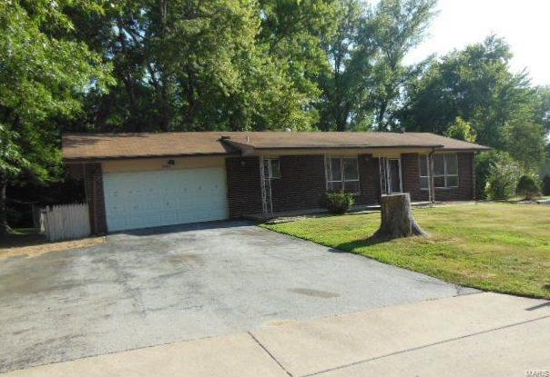 Photo of 13363 Primwood Drive St Louis MO 63141