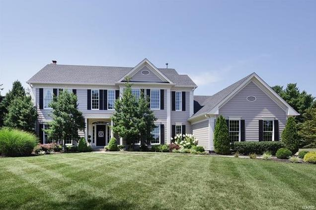Photo of 2221 Stonegate Manor Court Chesterfield MO 63017