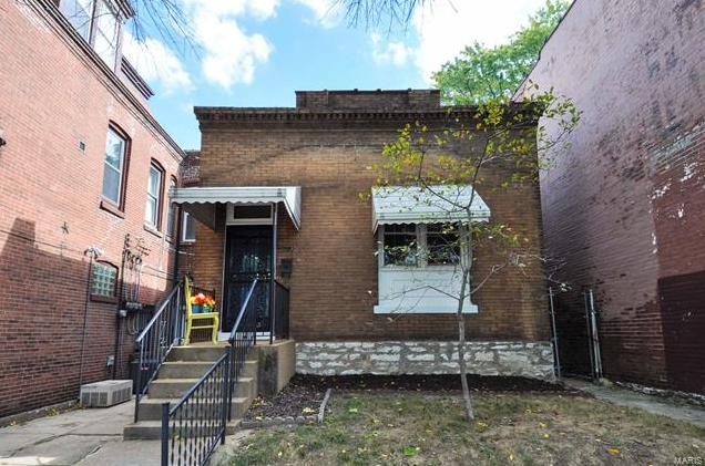 Photo of 3146 Morganford Road St Louis MO 63116