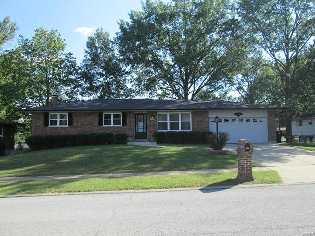Photo of 3566 Christoble Drive St Louis MO 63129