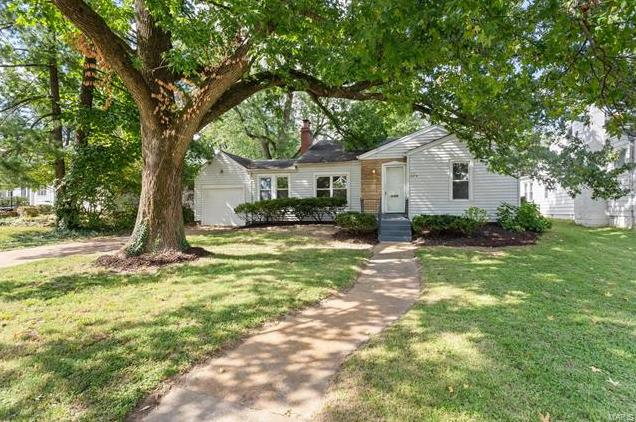 Photo of 429 North Rock Hill St Louis MO 63119