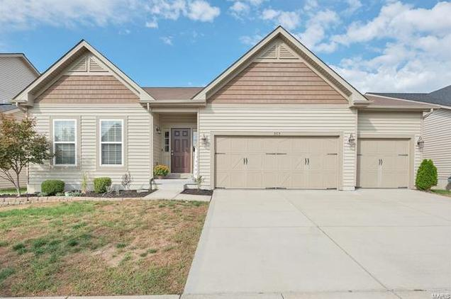 Photo of 505 Country Chase Drive Lake St Louis MO 63367