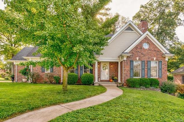 Photo of 308 Elm Valley Drive St Louis MO 63119