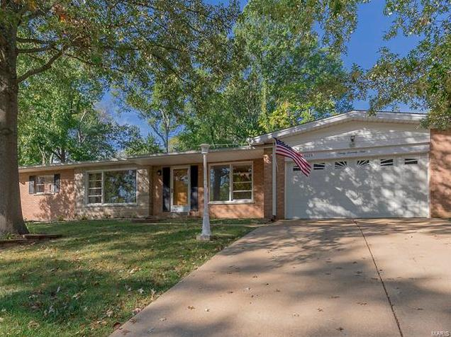 Photo of 9079 Crest Oak St Louis MO 63126