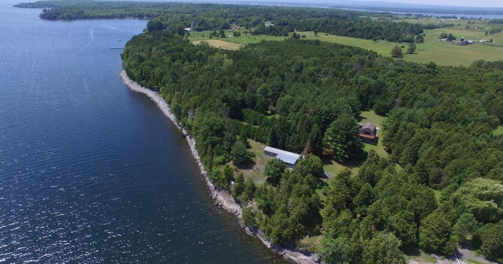Photo of 368 Jordan Point Rd Isle La Motte VT 05463