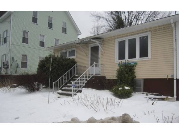 Photo of 443 Spruce St Manchester NH 03103