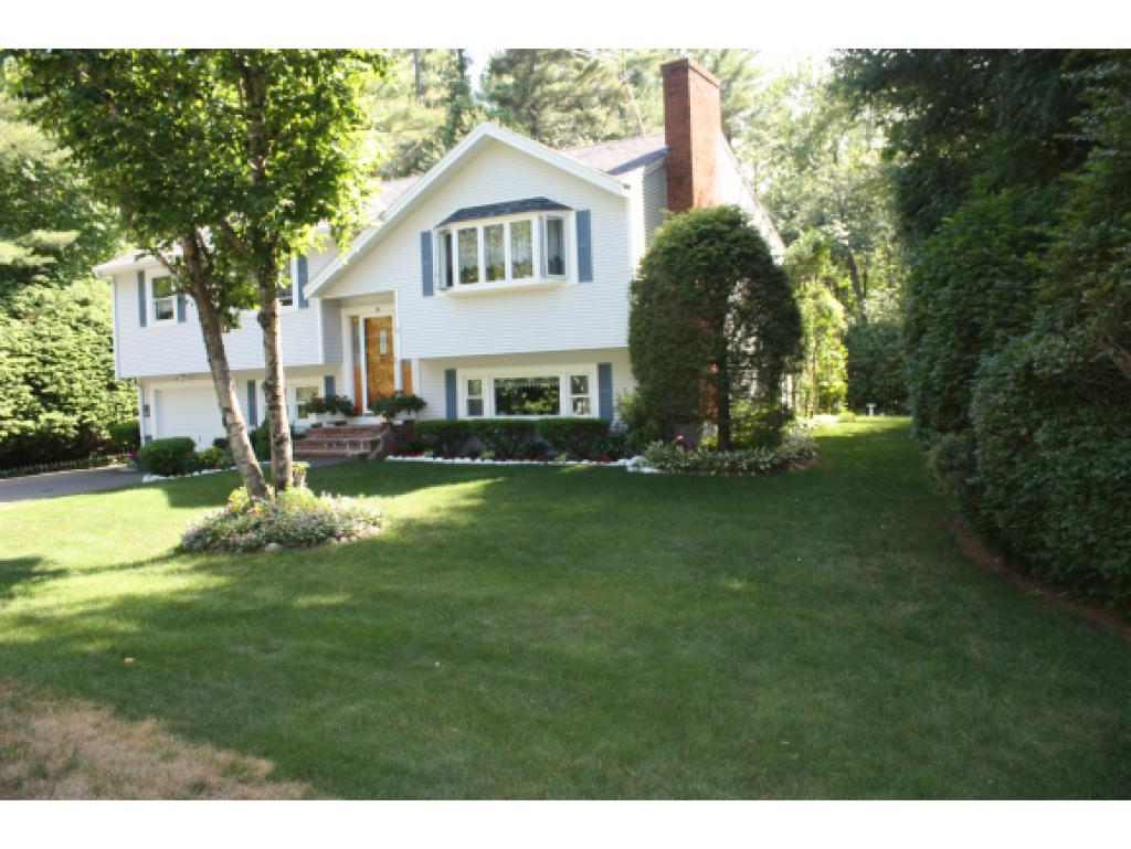 Photo of 28 Barkland Drive Derry NH 03038