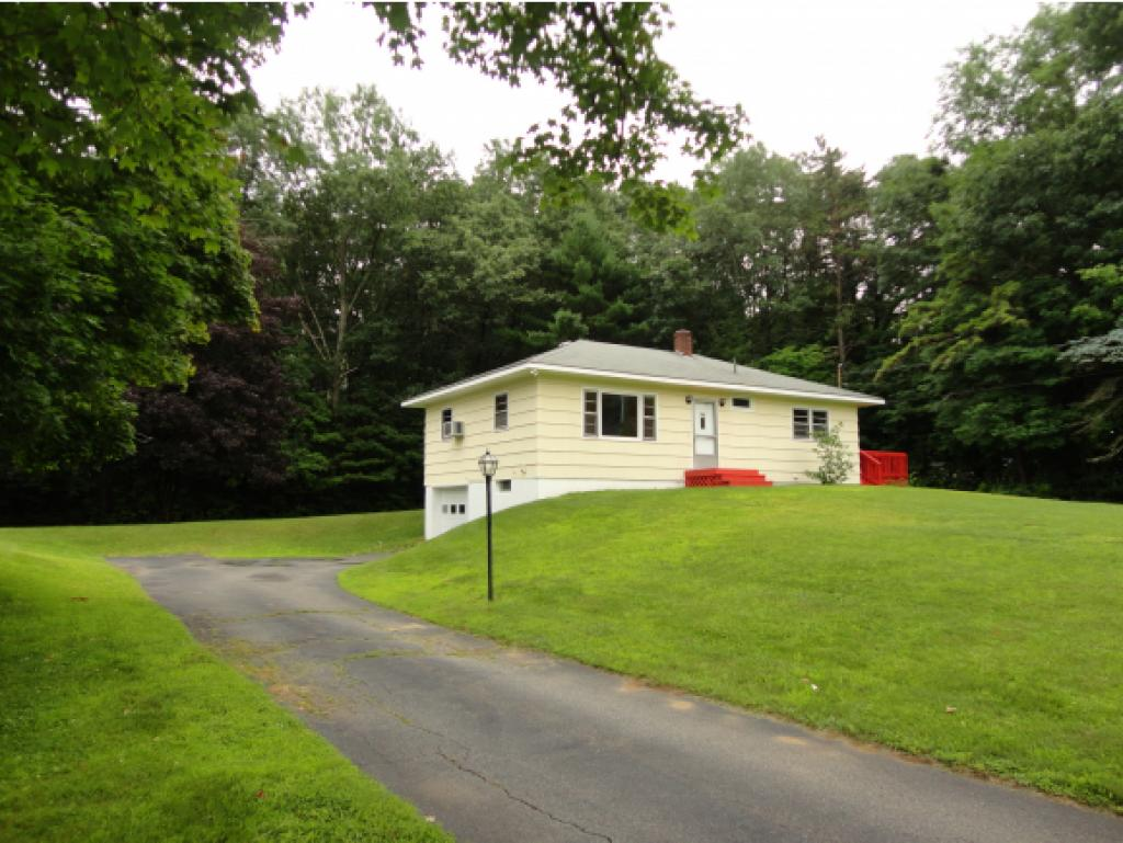 Photo of 5 Kingston Rd. Plaistow NH 03865