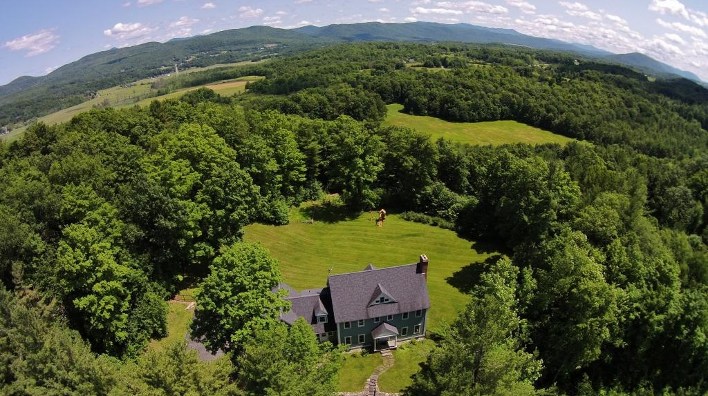 Photo of 208 Coyote Ridge Road Hinesburg VT 05461