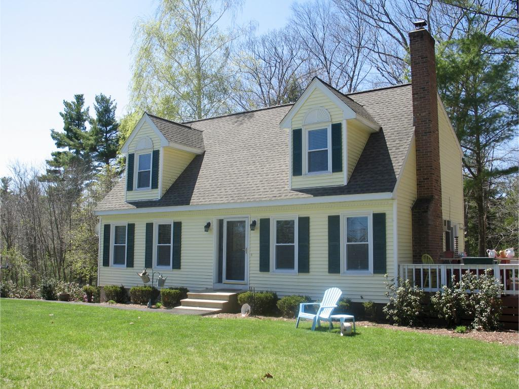 Photo of 20 Holts Point Rd Road Hampstead NH 03841