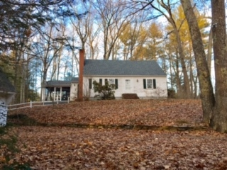 Photo of 76 Newfields Road Exeter NH 03833