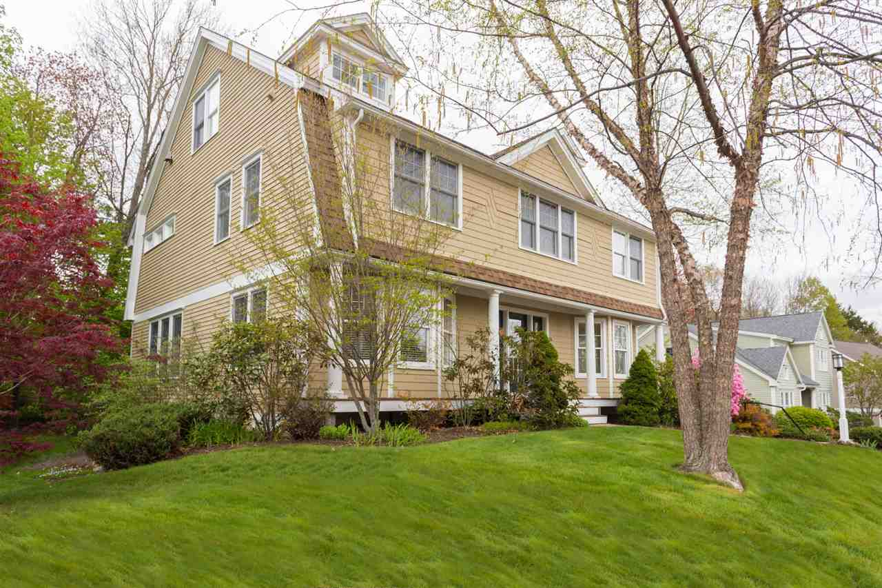 Photo of 16 Windemere Lane Exeter NH 03833