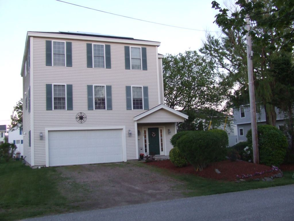 Photo of 28 Pearl Street Hampton NH 03842
