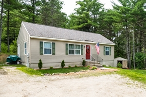 Photo of 621 New Road Barnstead NH 03225