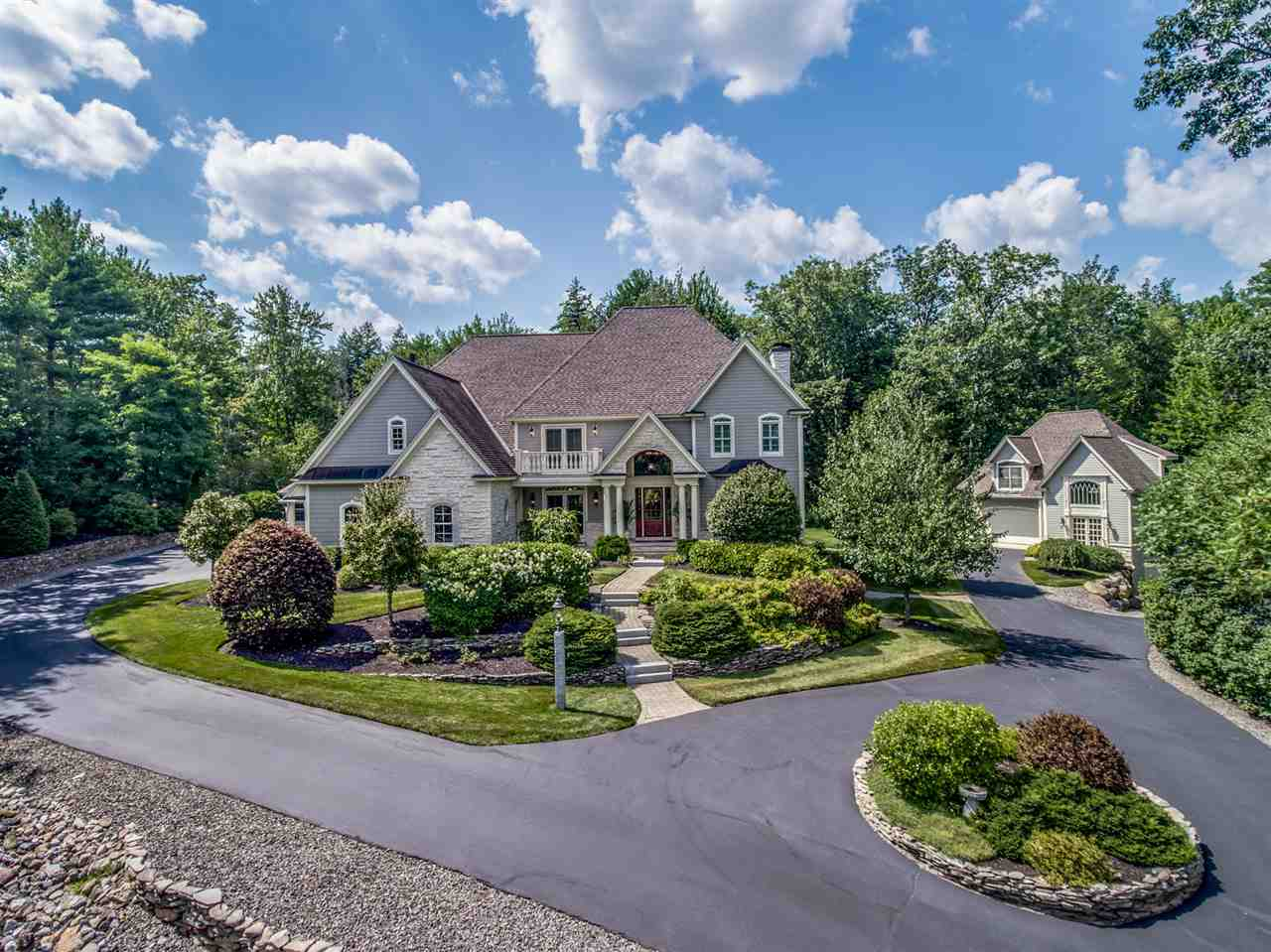 Photo of 8 CHABLIS Court Bedford NH 03110