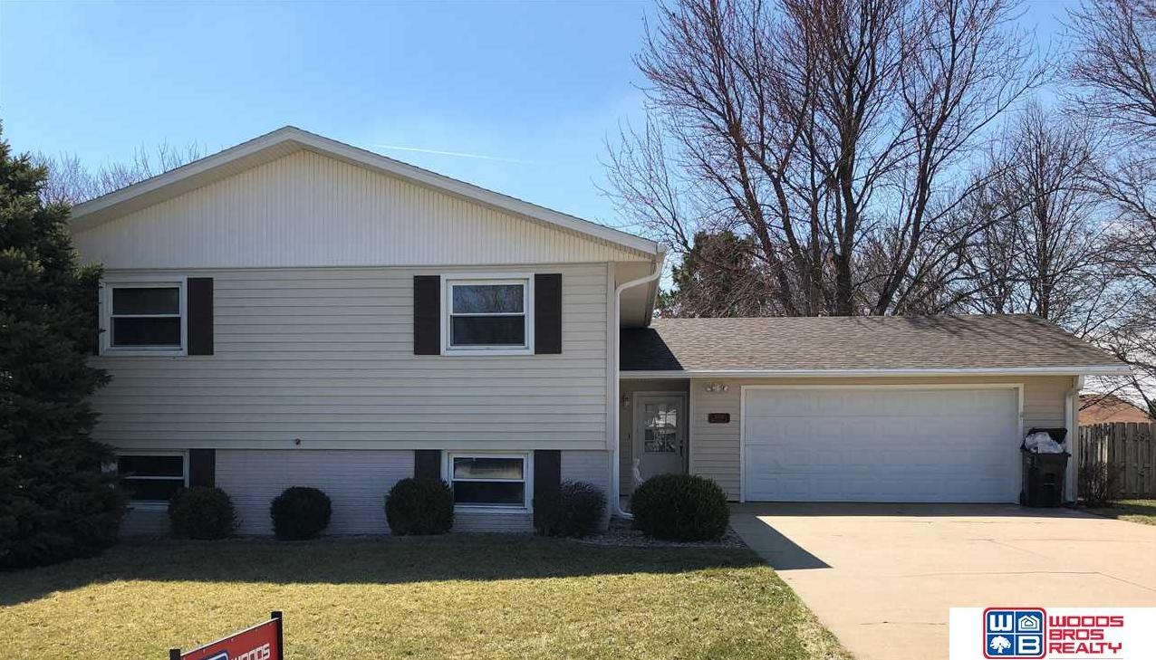 Photo of 1610 Meadow Lane York NE 68467