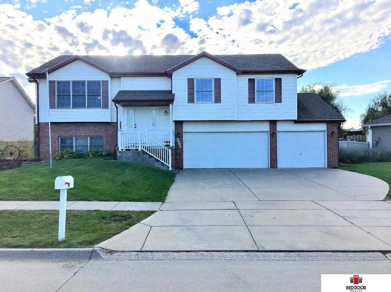 Photo of 6511 foxglove Lane Lincoln NE 68504
