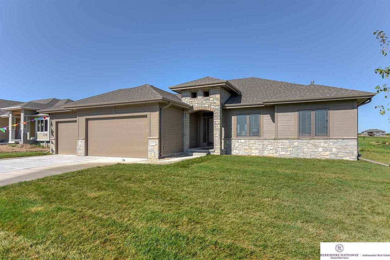 Photo of 12704 S 75th Avenue Papillion NE 68046