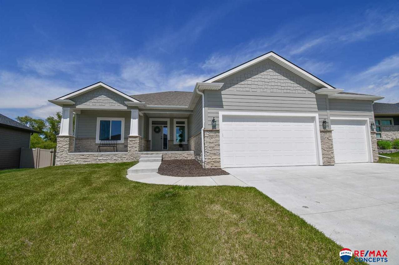 Photo of 9420 Fairbanks Drive Lincoln NE 68516