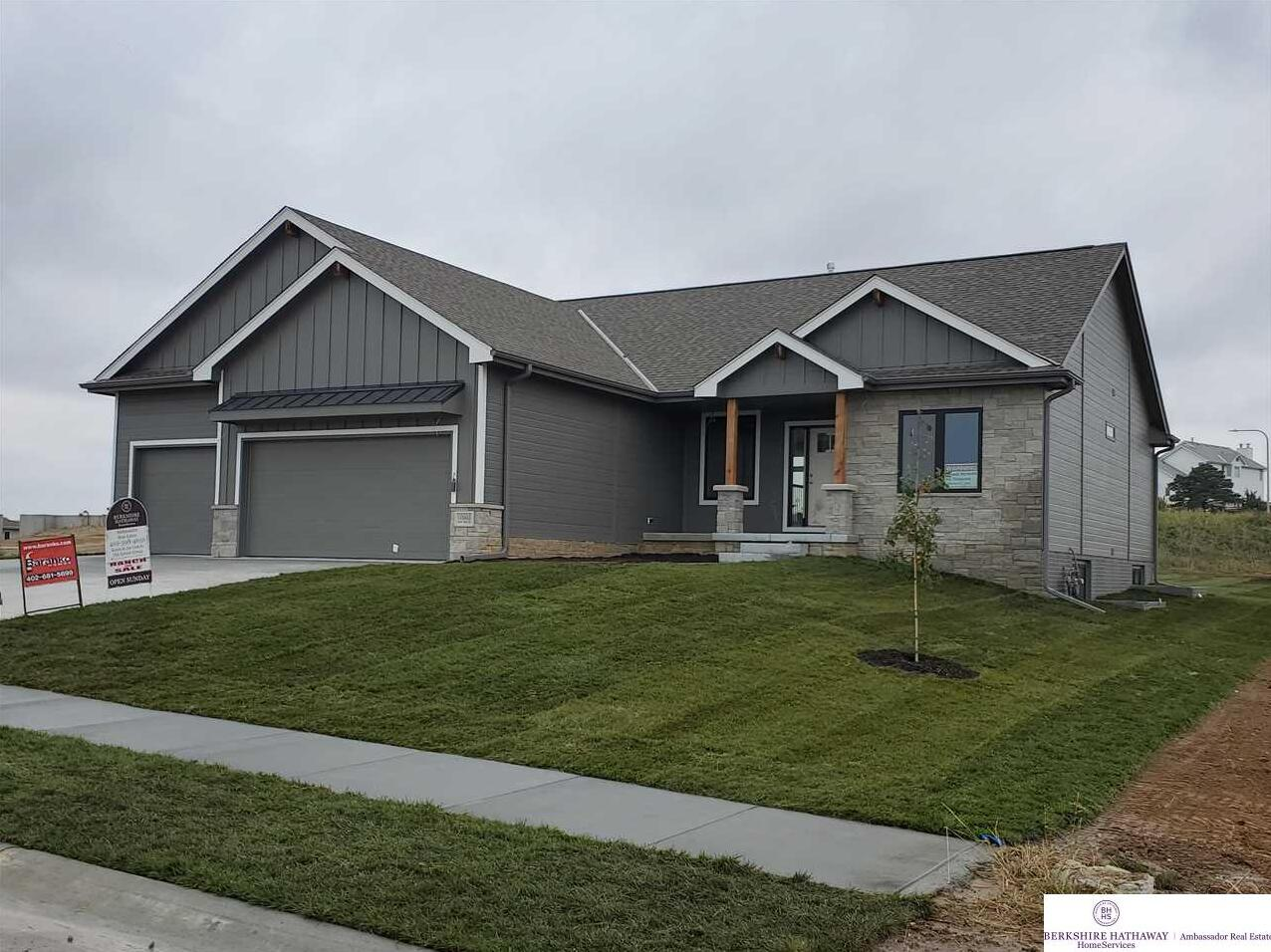 Photo of 10605 Lake Tahoe Drive Papillion NE 68046