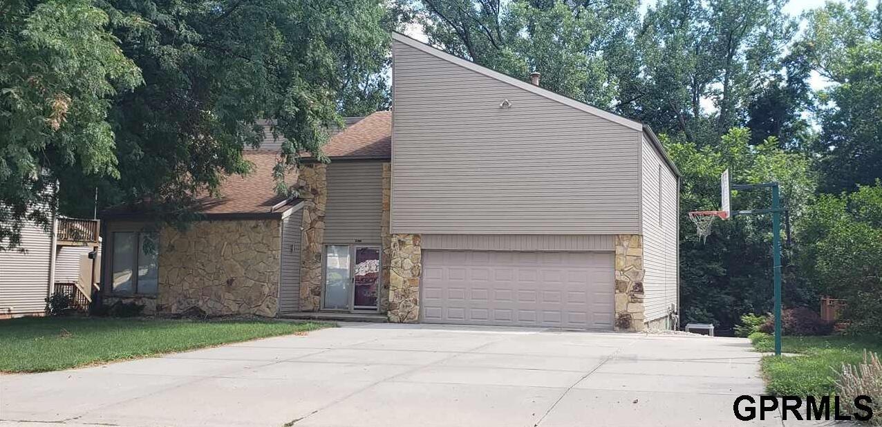 Photo of 16611 Pine Street Omaha NE 68130