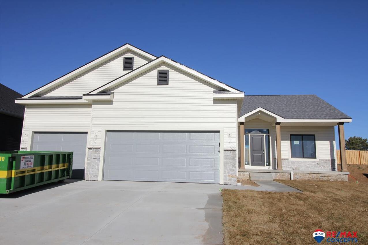 Photo of 10308 White Pine Road Lincoln NE 68527