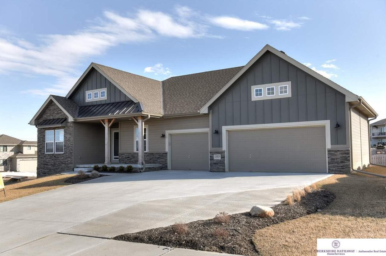 Photo of 10509 Cove Hollow Drive Papillion NE 68046