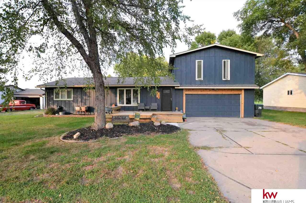 Photo of 28588 Potter Street Valley NE 68064