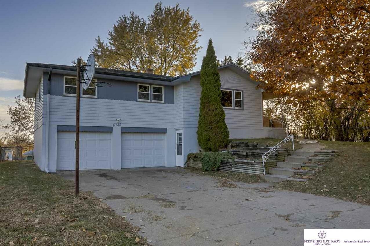 Photo of 6735 Curtis Avenue Omaha NE 68104