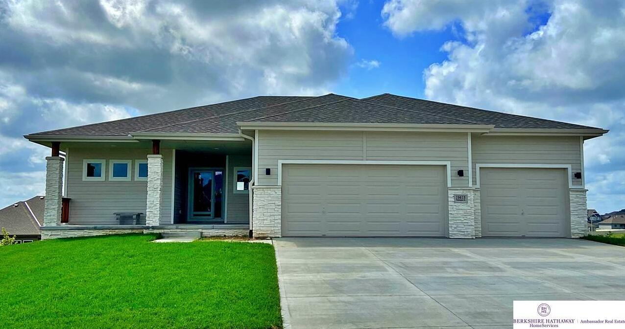 Photo of 10211 Pintail Drive Papillion NE 68046