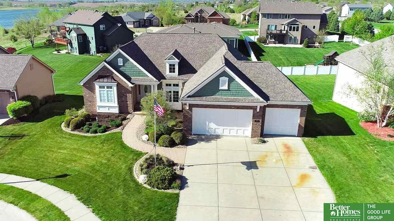 Photo of 1404 Lake Vista Circle Papillion NE 68046