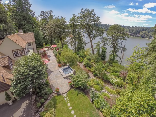 Photo of 16715 PHANTOM BLUFF CT Lake Oswego OR 97034