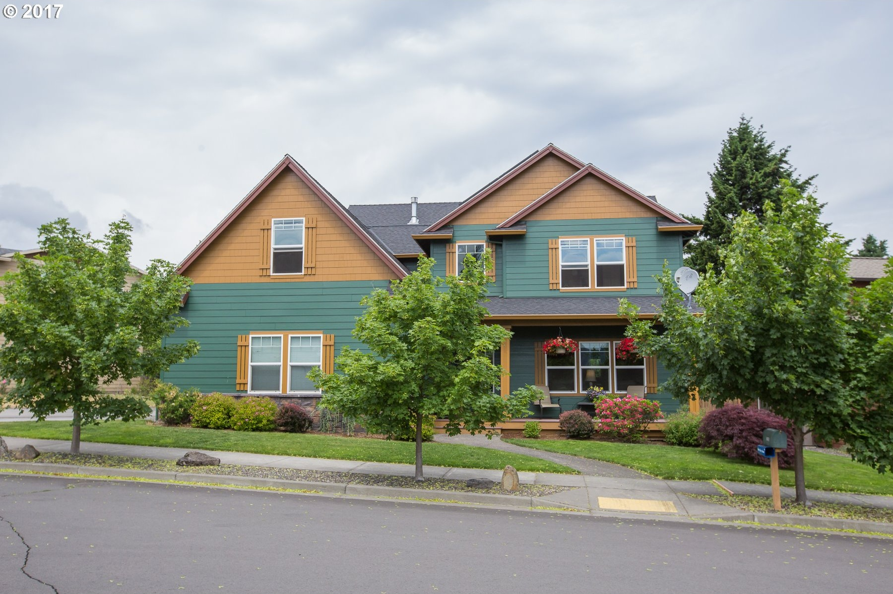 Photo of 3295 RACHEL WAY Hood River, OR 97031