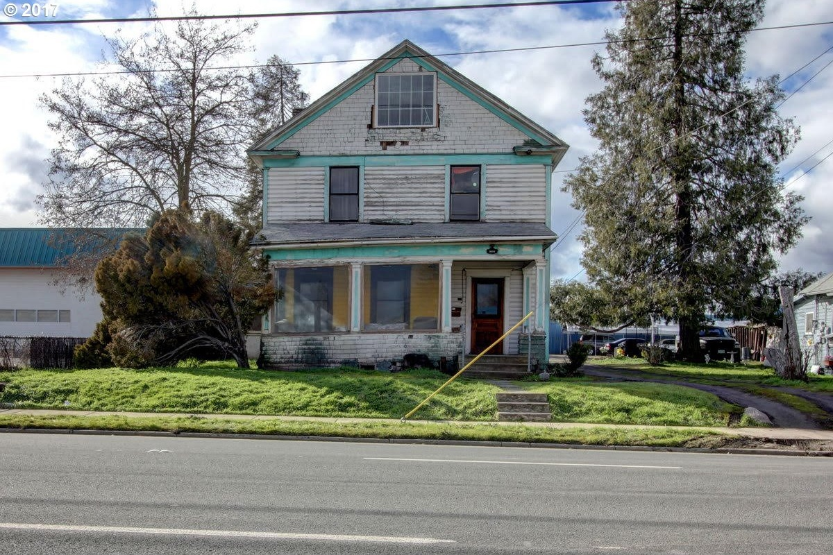 Photo of 909 N. CENTRAL AVE Medford OR 97501
