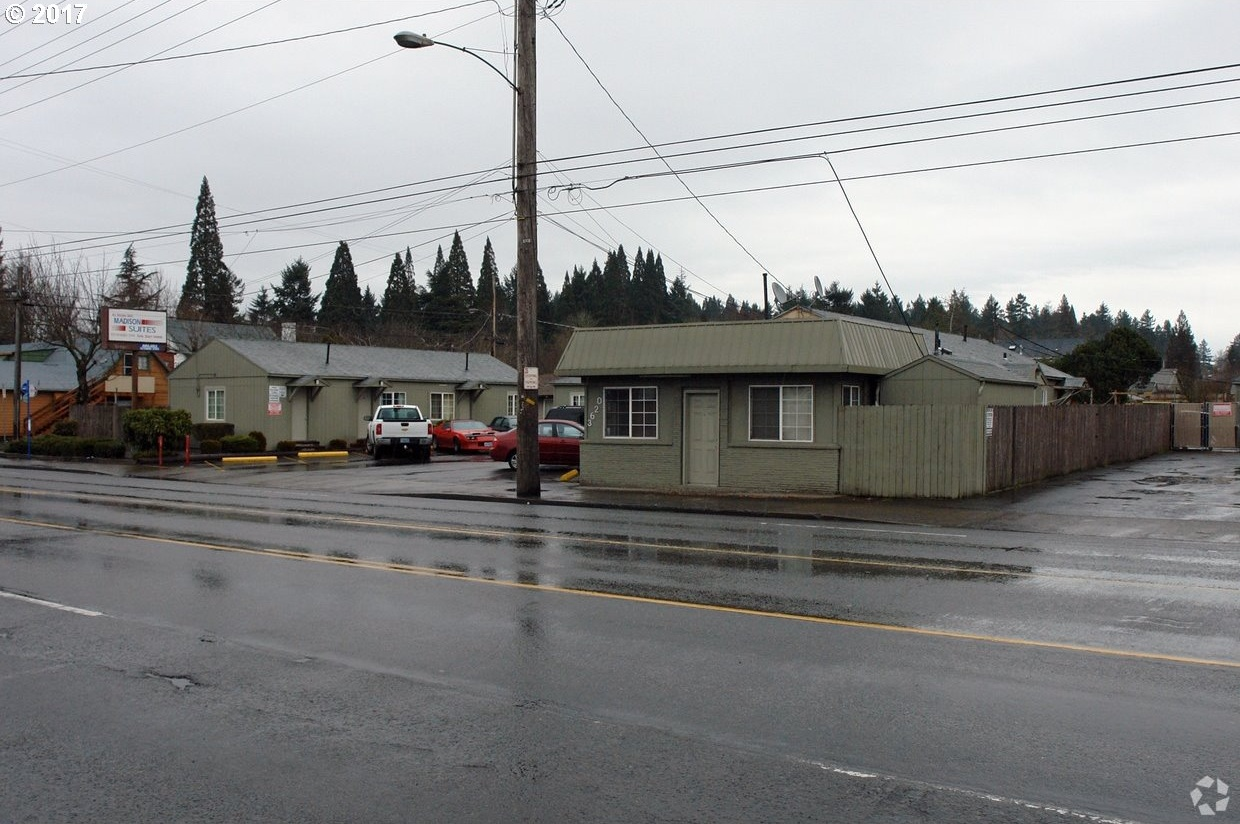 Photo of 3620 NE 82ND AVE Portland OR 97220
