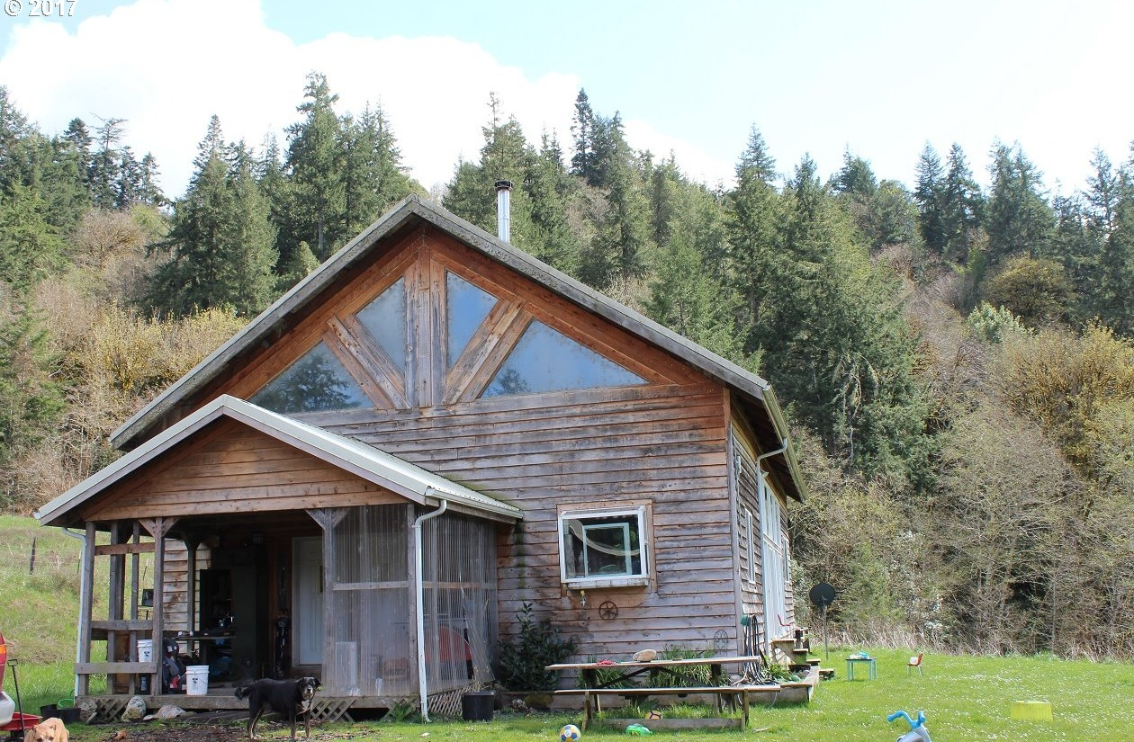 Photo of 47824 Dement Creek Rd RD Myrtle Point OR 97458