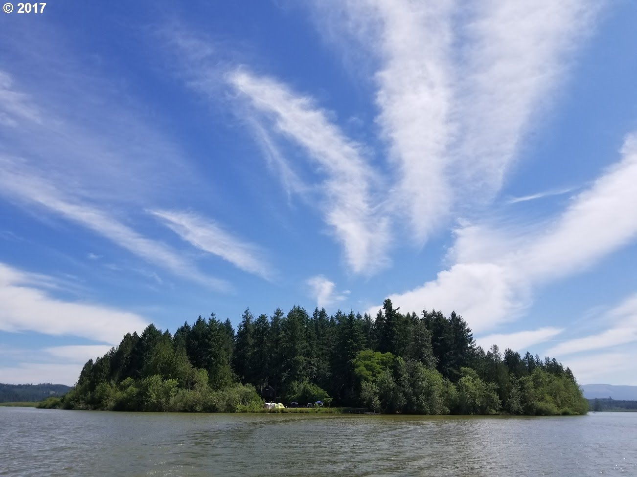 Photo of 100 TREEHOUSE IS RD Silver Lake WA 98645