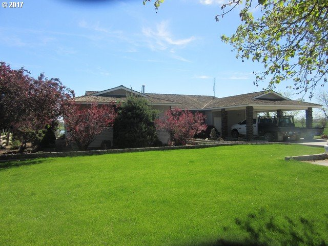 Photo of 29899 COUNTRY LN Hermiston OR 97838