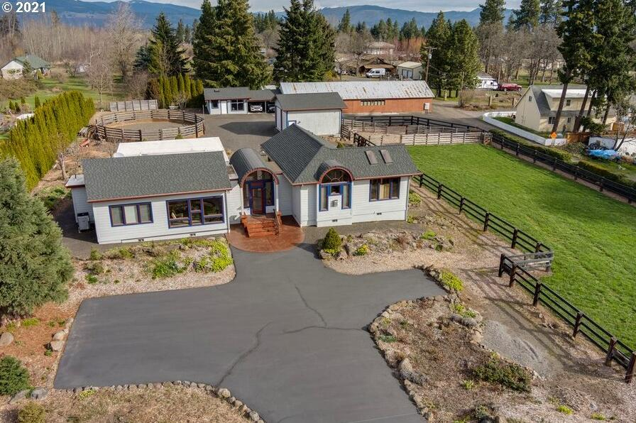 Photo of 3894 PORTLAND DR Hood River OR 97031