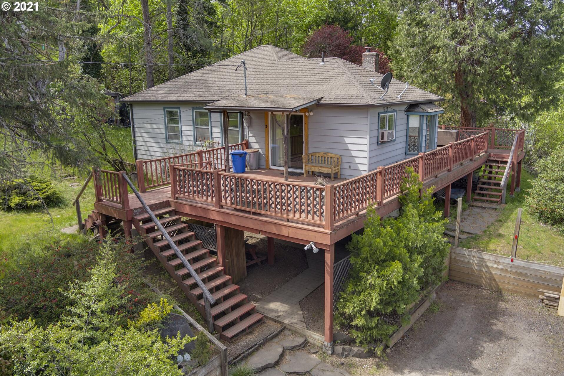 Photo of 400 RIVERSIDE ST Mosier OR 97040