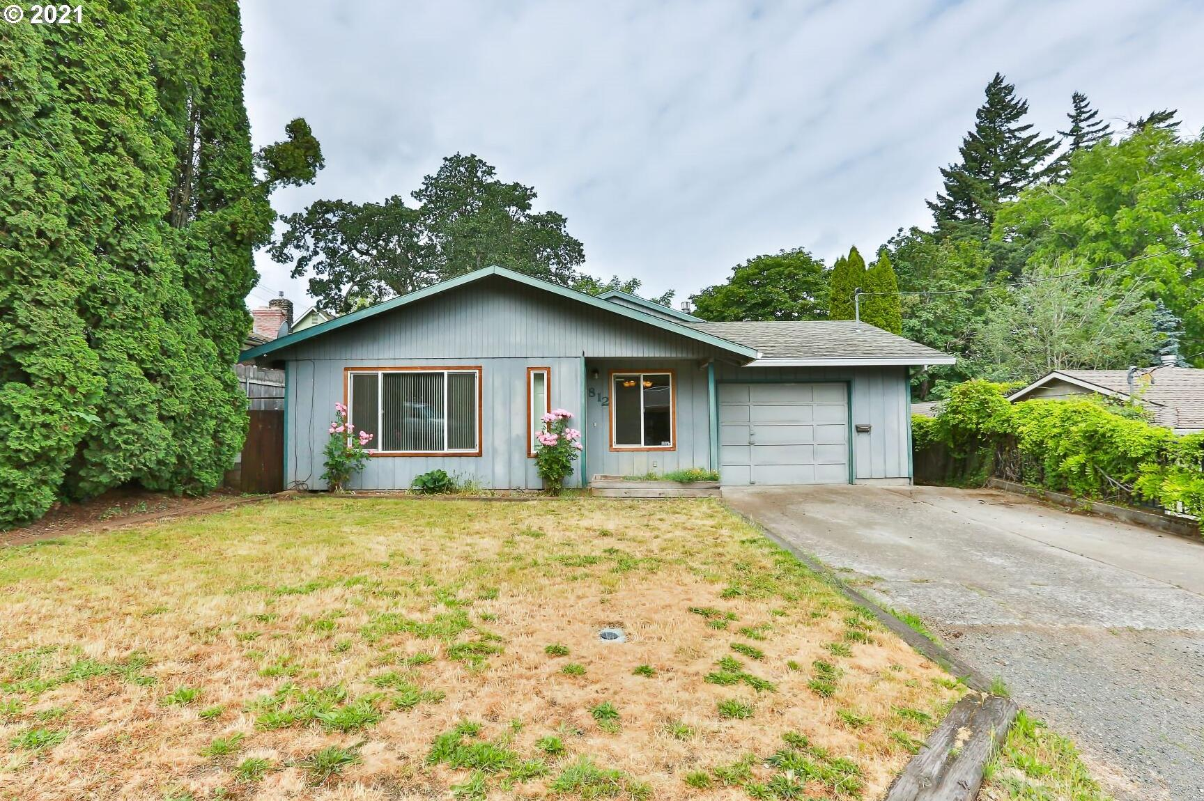Photo of 812 8TH ST Hood River OR 97031